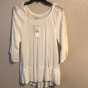 Woman's L white top